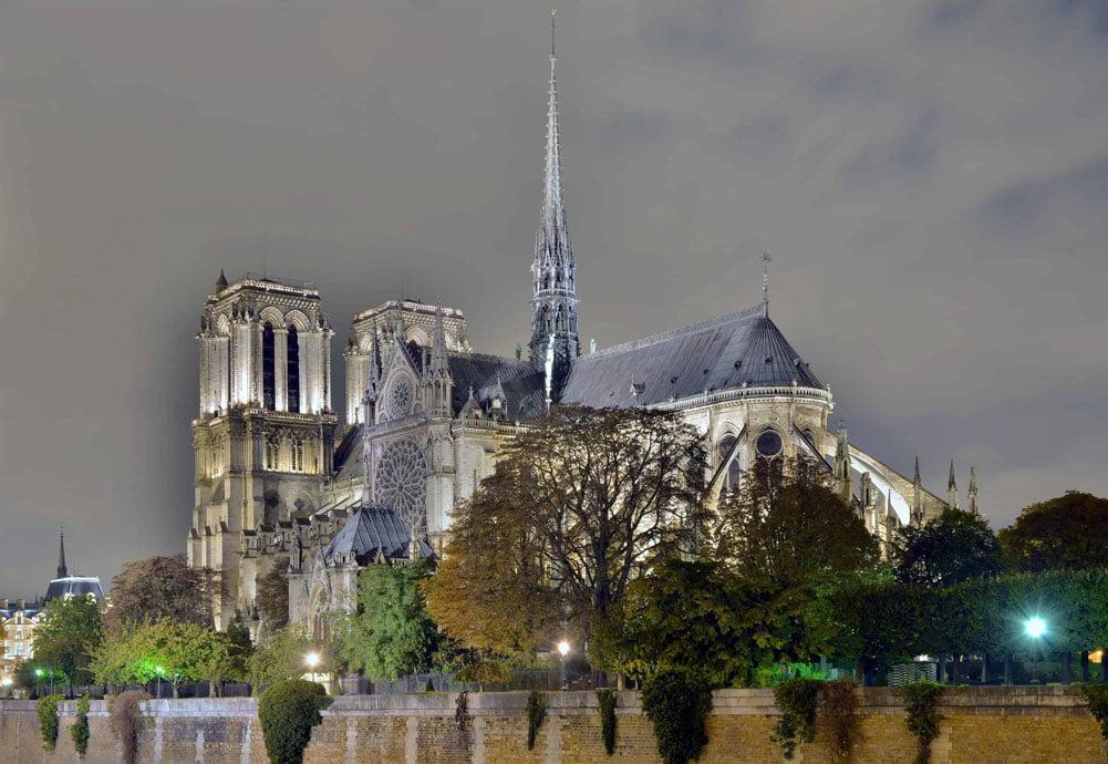 Notre Dame de Paris by Night 1 كاتدرائية نوتردام - كشكول تاريخ وذكريات