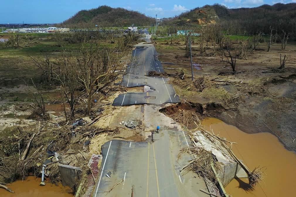 27c42693d2362aa34150ad954a52723a بورتوريكو بعد إعصار ماريا   بالصور