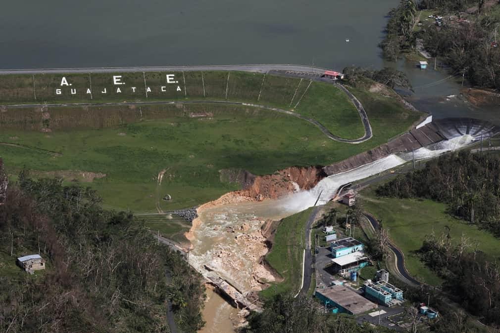 567936cfdc84b2849a9c0849342c68d4 بورتوريكو بعد إعصار ماريا   بالصور